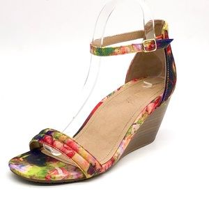 Kenneth Cole Reaction Cake Shop 2 Wedge Sandals